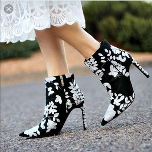 Zara Black Boot Heels White Floral Embroidery